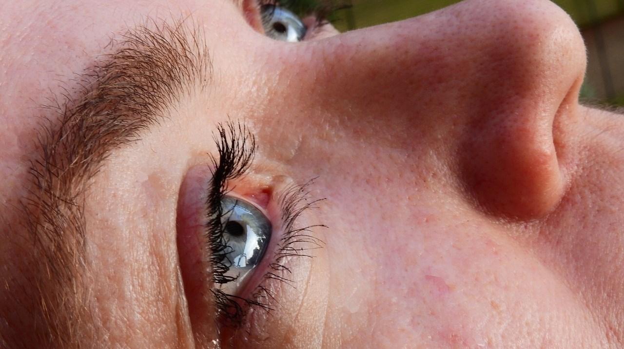 Quels sont les bienfaits de la blépharoplastie contre le vieillissement de la peau ?