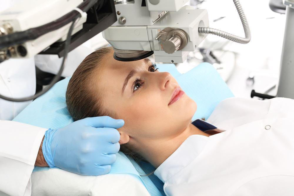 Chirurgie réfractive : les différentes techniques chirurgicales pour améliorer sa vue
